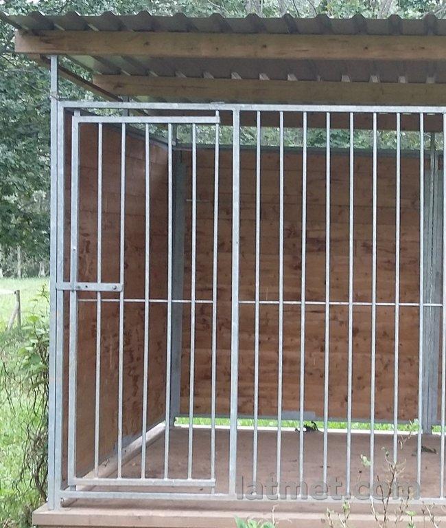 Voljēra priekšējā vai aizmugurējā siena ar durvīm (Dalīta, metāla)1500mm, zn