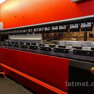 CNC lokšņu liekšņa 150t (Ārpakalpojums)